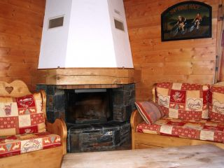 Catered-chalet-Michelle-fireplace.JPG