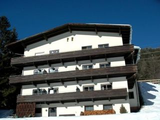 medium-Catered-chalet-St-Anton-Zoller.jpg